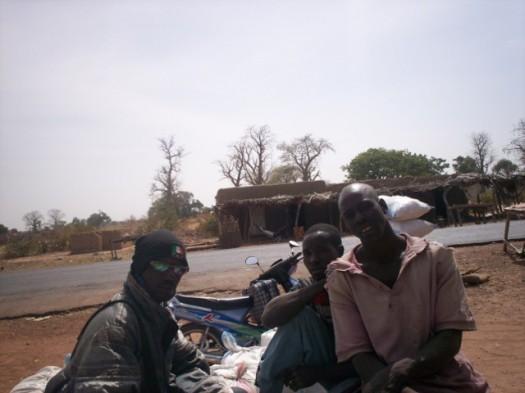 Le téléphone portable joue un grand rôle dans les activités commerciales en milieu rural.
