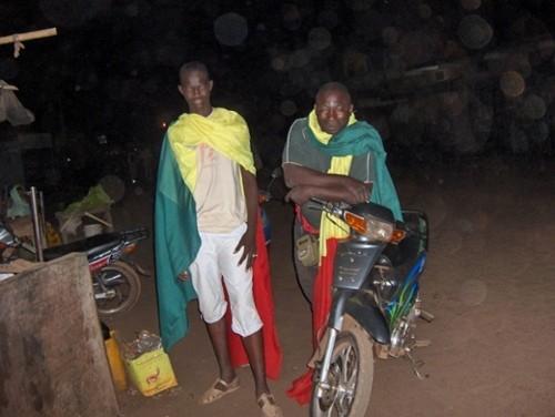 Maliden bɛɛ bɛ Mali Ɛgiliw kɔ bi ntolatan na u ni Alizeri cɛ.