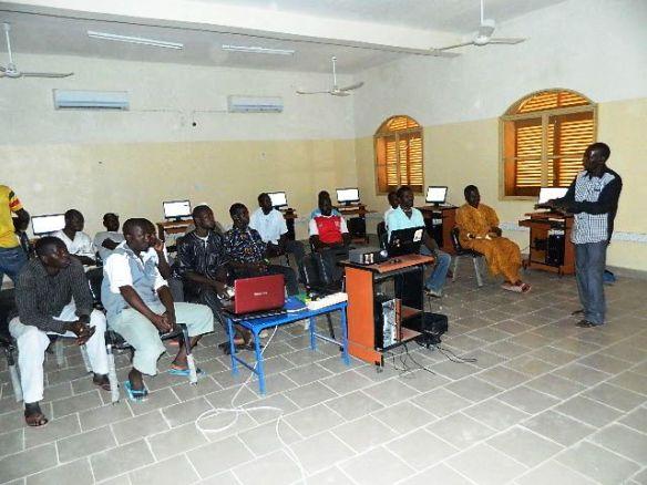 Formation des enseignants à Afripédia au Mali par @fasokan